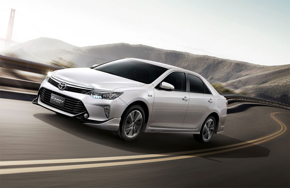 toyota camry 2017 semisena the 2017 toyota camry xle hybrid surprises with its competence and. Black Bedroom Furniture Sets. Home Design Ideas