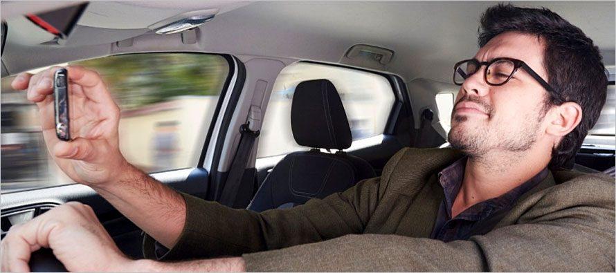 อย่าแชทหรือคุยโทรศัพท์ขณะขับรถ…ในความเป็นจริง สมองของเราแยกการทำงานไม่ได้